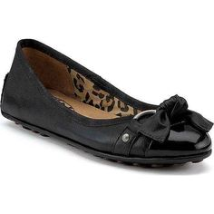 Sperry Women's Kendall Black Patent Slip-Ons ($90) ❤ liked on Polyvore featuring shoes, flats, black, black shoes, leopard print flat shoes, black slip on shoes, slip on shoes and leopard print shoes