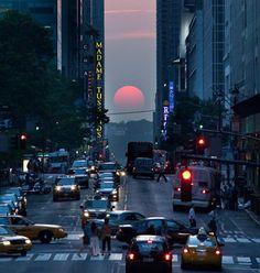Manhattanhenge, 30 de mayo del 2012, pasadas las 8:00hs en Manhattan