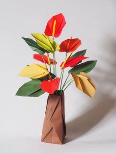 """網友  光光  問    請問老師 , 這星期寶貝上課了 """" 火鶴花 """" 折法在哪裡 ?   可否顯示連結 ? 谢谢    火鶴花  Anthurium 步驟圖在創作時 ,      早已拍好 ,只是一直沒有時間製作圖解,      因為這個創作 Eagle 自己也..."""