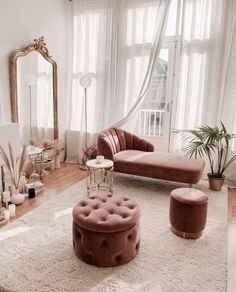 5 tips to to successfully decorate your living room living room decor livingroom ideen grau Looking to freshen up your home decor Get inspired by hundreds of photos and room tours of some of the South s most beautiful homes for home living room modern Glam Bedroom, Room Ideas Bedroom, Bedroom Chair, Cozy Bedroom, Budget Bedroom, Decor Home Living Room, Home And Living, Modern Living, Pink Home Decor