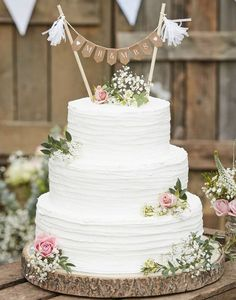 anniversary party supplies for silver and gold anniversaries including decorations, cake ideas and tableware at ginger ray. Wedding Cake Bunting, Floral Wedding Cakes, Wedding Cake Rustic, Wedding Cake Decorations, Beautiful Wedding Cakes, Wedding Cake Designs, Classic Wedding Cakes, Easy Wedding Cakes, Wedding Cake Simple