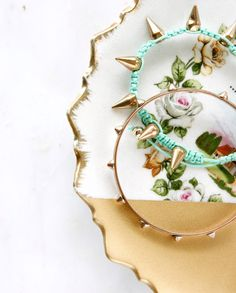 Diy gold dipped spray painted jewelry dish the perfect do it diy gold dipped spray painted jewelry dish the perfect do it yourself gift for her home pinterest jewelry dish spray painting and crafty solutioingenieria Images