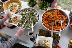 A Gift? Bring a Dish (With Some Food in It) - NYTimes.com