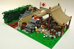 lego tent | LEGO WW2 Battalion Aid Station : LEGO World War 2 Battalion Medic ... | legos | Pinterest | Lego Ww2, Lego and Roof Ideas
