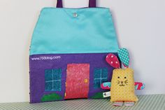 seven thirty three - - - a creative blog: Scrap Fabric Bunny House/Carry Case