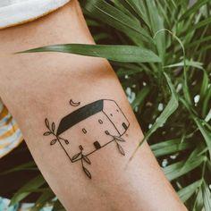 Mireia Tatto vegan tattoo #tattoo #vegantattoo #ink #tatuaje Vegan Tattoo, Deathly Hallows Tattoo, Tatoos, Board, Female Tattoos, Ink, Places, Blue Prints, Tattos