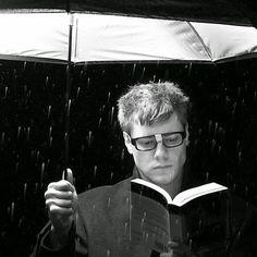 Protegemos nuestros #libros ante tormentas por qué son aquellos que siempre nos dan el mayor refugio.