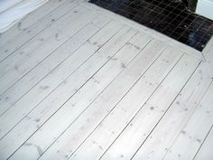 Pine wood floor, white wash wood.