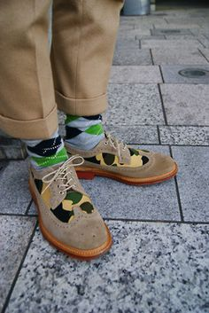 shoes are gorgeous. adoring the camo mixed with the classic tan leather style.