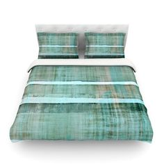East Urban Home Line up by CarolLynn Tice Featherweight Duvet Cover Size: Full/Queen