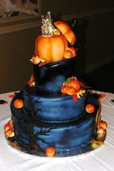 the wedding cakes to prove it. these impressive Halloween themed wedding cakes.Halloween wedding cakes propose an abundance of scheme/style, decor choice. Halloween Wedding Cakes, Halloween Themed Food, Halloween Cakes, Halloween Table, Themed Wedding Cakes, Themed Cakes, Pagan Wedding, Gothic Wedding, Autumn Wedding