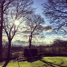 Winter sun @thehuteyam #shadows #sunshine #peakdistrict #derbyshire #eyam #shepherdshut #alternativeaccomodation #romantic #glamping