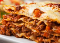 Welcome to my Syn Free Slimming World Lasagne. The Slimming World Lasagne dream come true with a real cheese sauce (no eggs mixed with cheese) and perfect for… Beef Lasagne, Sausage Lasagna, Lasagne Recipes, Turkey Lasagna, Pasta Recipes, Slimming World Lasagne, Pumpkin Lasagna, Italian Lasagna, Gastronomia
