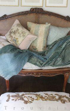 Trouvais Fortuny and 18th c textile pillows - Atelier de Campagne