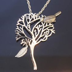 I really need to find this, love this necklace...