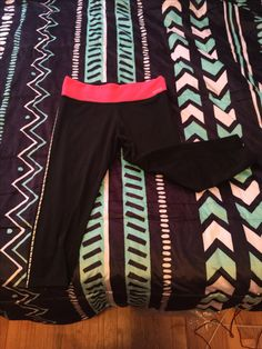 Pink cropped leggings. Has some wear between legs but still a lot of life left. Asking 15 shipped