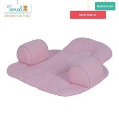 """""""Mi protector"""" es ideal para los primeros meses de vida de tu bebé, además posee cojines que le brindan una posición cómoda y segura. Backrest Pillow, Pillows, Toss Pillows, Life, Bebe, Cushions, Pillow Forms, Cushion, Scatter Cushions"""