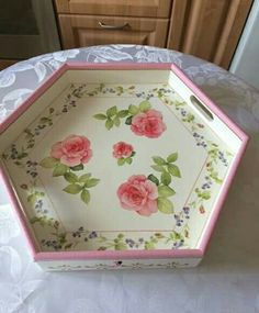 Decoupage Glass, Decorative Trays, Marquetry, Tray Decor, Diy Box, Brisbane, Painting On Wood, Painted Furniture, Folk Art
