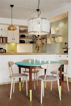 """Would a """"dip dyed"""" look work on your table? Colorful Kitchen Tables, Kitchen Colors, Kitchen Decor, Furniture Repair, Luxury Furniture, Furniture Makeover, Balcony Table And Chairs, Balcony Furniture, Lounge Chairs"""