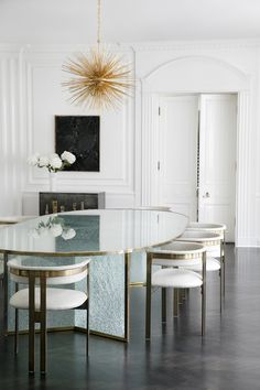 Modern dining room interior design ideas are pretty different from what had been seen before, as you will notice throughout the gallery. Room Interior Design, Dining Room Design, Interior Design Inspiration, Modern Dining Table Designs, Design Ideas, Bathroom Interior, Luxury Interior, Design Projects, Home Modern