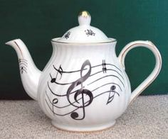 Music Notes 6 Cup Porcelain Tea Pot, MADE IN USA  !