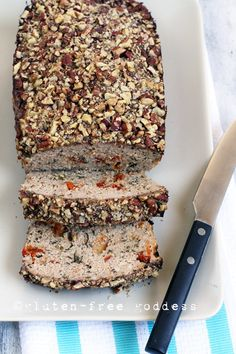 Gluten-Free Turkey Meatloaf with Sundried Tomatoes and Pecan Crust #glutenfree #meatloaf #comfortfood