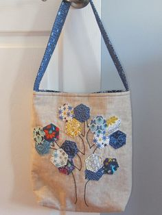 hexagon bag, handStitched Class - My CMS Hexagon Patchwork, Patchwork Bags, Quilted Bag, Denim Tote Bags, Embroidery Bags, Fabric Bags, Handmade Bags, Hand Stitching, Quilt Patterns