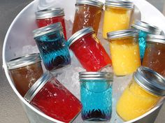 Put a Lid on It - Mason Jar Cocktails - Put a Lid on It - Mason Jar Cocktails Alcohol drinks Individual cold drinks in cute mason jars are the addition to your next party! (Minus the alcohol) - Mason Jar Cocktails, Mason Jar Drinks, Cocktail Drinks, Cold Drinks, Cocktail Recipes, Drink Recipes, Alcohol Recipes, Juicer Recipes, Cocktail Parties