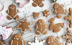 These cookies are super easy to make and taste delicious. They are crisp ginger cookies which are perfectly spiced, decorated with homemade vegan royal icing which drys out at room temperature.