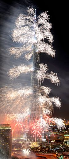Luxury In Dubai- New Year fireworks. DUBAI - UNITED ARAB EMIRATES- | ~LadyLuxuryDesigns