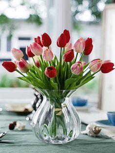 Elegant Tulip Artificial Flower And Transparent Glass Vase