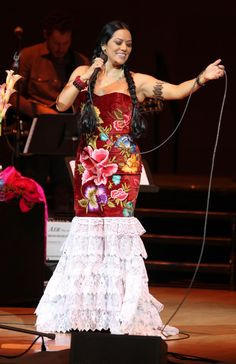 Lila Downs - Carnegie Hall  The wonderful soulful beautiful Ana Lila Downs Sánchez