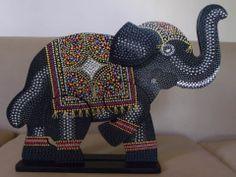 Elefante en puntillismo