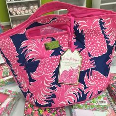 Lilly Pulitzer Cooler NWT - No Trades Lilly Pulitzer Bags