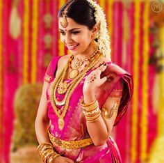 Get traditional design Bridal jewelry sets for south Indian bride from online store of Malabar Gold & Diamonds. Bridal Jewellery Online, South Indian Bridal Jewellery, Bridal Jewelry, Gold Jewellery, Quartz Jewelry, Jewellery Designs, Gold Bangles, Kerala Bride, Hindu Bride