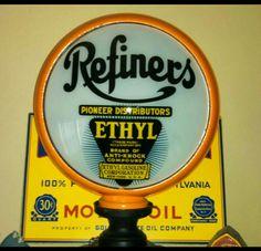 Original Refiners Ethyl Gas Globe