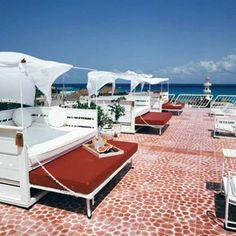 Quintana Roo, Riviera Maya, Playa del Carmen, Hotel Basico, Terrace, Sun beds - Photo by Basico