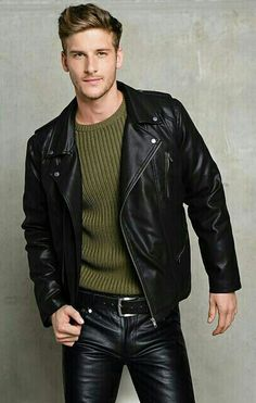 Men's Leather Jackets: How To Choose The One For You. A leather coat is a must for each guy's closet and is likewise an excellent method to express his individual design. Leather jackets never head out of styl Mens Leather Coats, Men's Leather Jacket, Biker Leather, Leather Trousers, Black Leather, Leather Fashion, Mens Fashion, Tight Leather Pants, Moda Formal