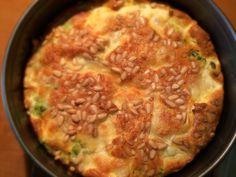 Ingrediënten   500 gr broccoli  4 eieren  100 gr creme fraiche  200 gr mozzarella  50 gr pijnboompitjes  Peper en zout naar smaak    ...