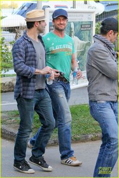 Gerard Butler & Kellan Lutz Hang Out After FIFA World Cup Final: Photo Gerard Butler goes green while doing some sightseeing with friends on Monday (July in Rio de Janeiro, Brazil. The Scottish actor was joined by… Gerard Butler, Danny O'donoghue, Scottish Actors, Poster Boys, Kellan Lutz, Men In Kilts, Hot Actors, Mom Outfits, Fifa World Cup