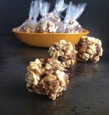 """""""De todo un poco en la cocina"""": Bolas de Palomitas"""