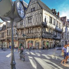 Dijon, France par @si.cecile