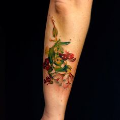 Lingonberries! #tattoo #lingon #lingonberries #catapulttattoo #watercolor #tattooistartmagazine #flower
