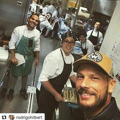 #Repost @rodrigohilbert with @repostapp  ・・・  Um espião na cozinha do @manimanioca #comidaboa #omelhor #won #usewon #wonoficial #moda #beleza #mkt #agenciadepublicidade #santos #santoscity #agencia