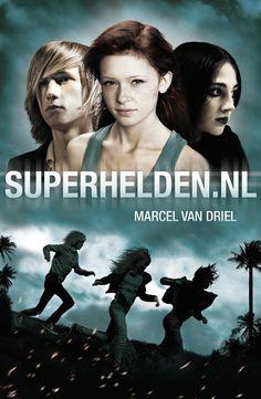 Superspannende jeugdthriller van Marcel van Driel. Dochterlief was in één keer 'hooked'.