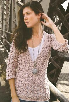 Crochet un pull demi-saison Crochet Panda, Pull Crochet, Crochet Jacket, Crochet Cardigan, Crochet Tops, Boho Outfits, Fashion Outfits, Vintage Knitting, Crochet Accessories