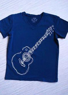Kupuj mé předměty na #vinted http://www.vinted.cz/deti/kosile-a-tricka/16223080-tmave-modre-chlapecke-triko-s-potiskem-kytary