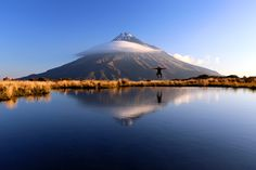 Mount Taranaki, North Island of New Zealand Canoe Camping, Photos, Pictures, Natural World, Mount Rainier, Painting Inspiration, The Great Outdoors, New Zealand, Surfing