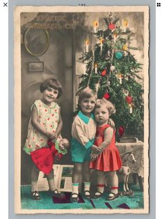 Vintage Christmas Photos, Antique Christmas, Christmas Pictures, Holiday Postcards, Vintage Postcards, Cute Christmas Tree, Christmas Ideas, Santa Stamp, Vintage Cards