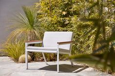 Embrace the beauty of the Breeze Collection. The Breeze's soft, airy, tactile feel is created through a combination of ventilated woven wire and stained FSC Accoya or FSC Spotted Gum timber arm details. Raw materiality is softened by comfortable seat and back cushions upholstered in outdoor fabric. Perfect for indoors and out, Breeze's relaxed yet elegant style is at home in domestic and commercial situations.